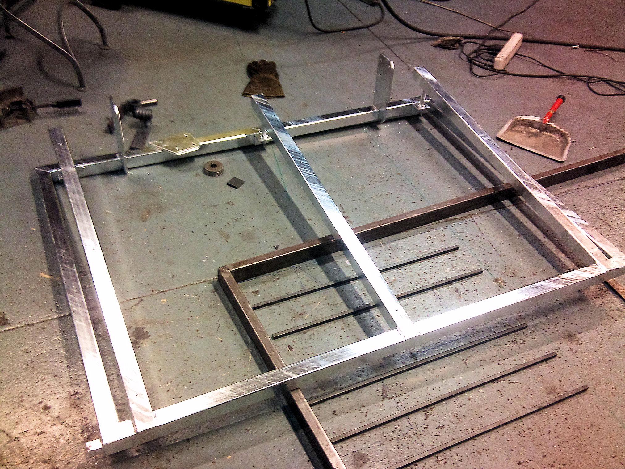 Avslutad, design skärmtak med glas ovanför dörr. värnamo ...
