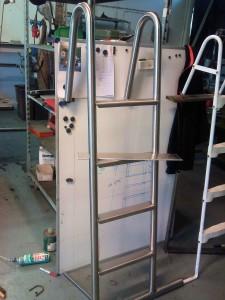 AVSLUTAD, Tillverkning av en poolstege i rostfritt 316