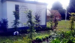 AVSLUTAD, trädgårds valv och väggspaljer i rostad 12mm stång