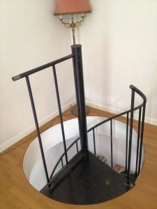 AVSLUTAD, Smides räcke ovanför en spiral trappa, ink montering. Leverans Malmö