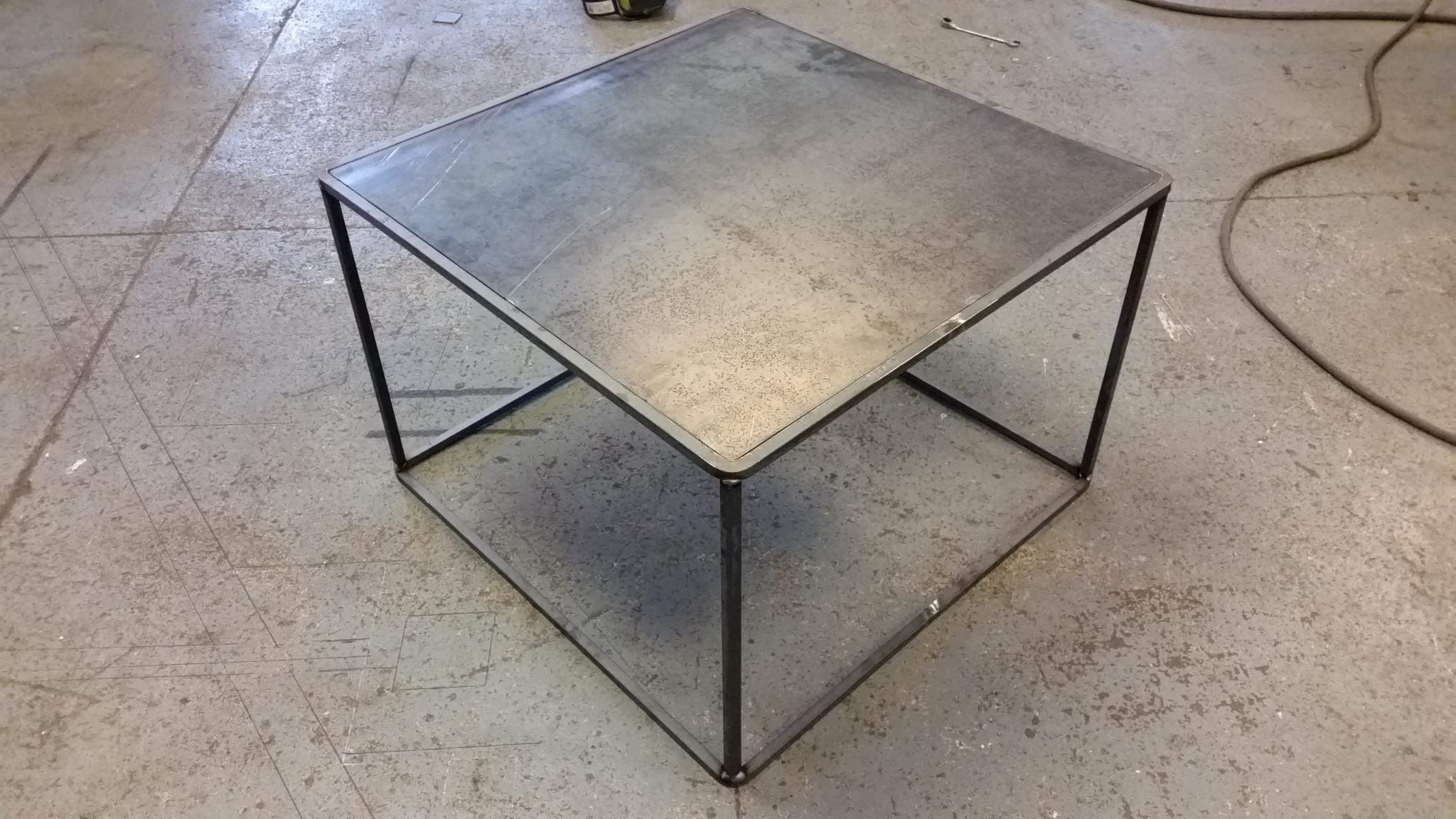 design bord AVSLUTAD. Trendigt design bord i stavar och Cortenplåt  design bord