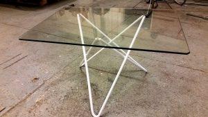 AVSLUTAD, Lite bords design till kund