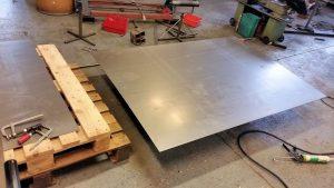 AVSLUTAD;  Barbord för mäss monter till Stena Stål som ska få en trendig metall design, ja har fått fria händer :).