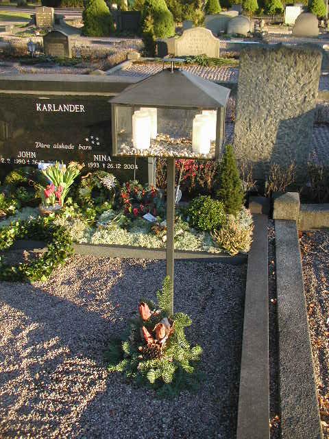 AVSLUTAD ..  Begravnings ljus lykta till kyrkogård, Tsunami offer :(
